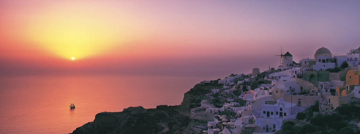 Santorini, Sunset to dream about…
